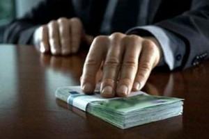 """Mức hối lộ trung bình tại Nga """"tăng giá"""" 70%"""
