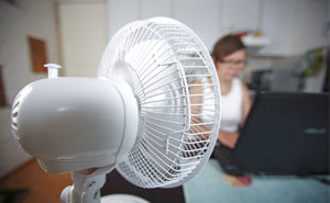 Air fan will bring relief to the summer heat. ISMO PEKKARINEN / LEHTIKUVA